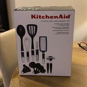 Kitchen Aid 15 piece tool set